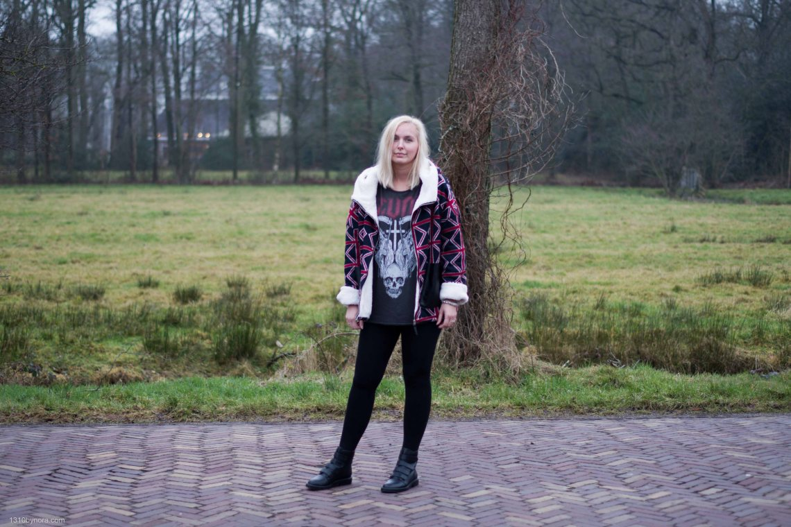 Outfit, black leggings, band shirt, revolt, boots, 1310bynora,