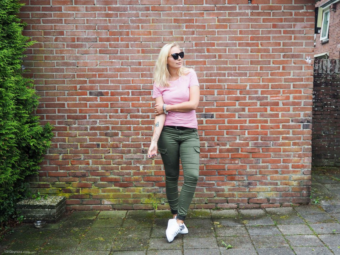 Outfit, simple, look, striped style, Benetton, green pants